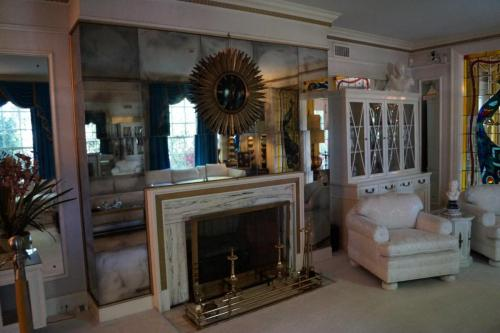 Graceland inside (13)