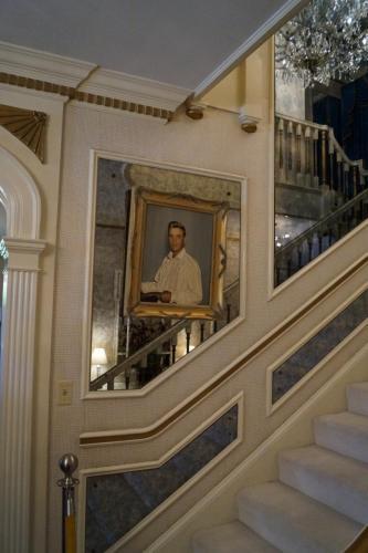 Graceland inside (15)
