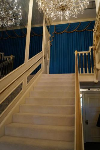 Graceland inside (16)