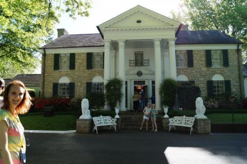 Graceland inside (6)