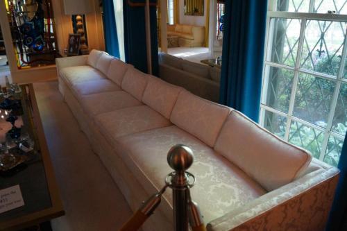 Graceland inside (9)